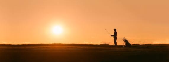 Vi inkluderar en bild på en golfspelare under sin pre-shot routine eftersom han troligtvis även använder sig av visualisering då. Det ger en bra bild av mental träning inom idrotten vilket blogginlägget handlar om.